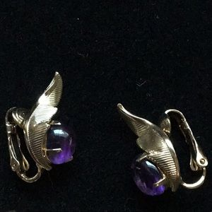 Sarah Coventry amethyst clip on earrings
